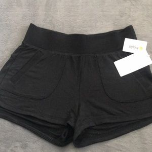 ATHLETA RESTORE SHORTIE (BRAND NEW)